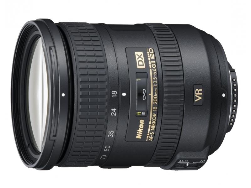 Nikkor AF-S 18-200 mm f/3.5-5.6 DX G VR II IF-ED (72 mm)
